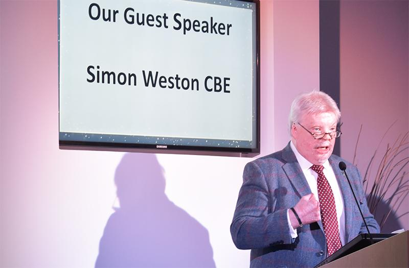 business-partner-awards-2020-simon